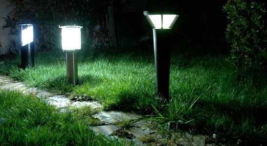 Volti lampadaire photovolta que pour clairage jardin et route - Bornes solaires jardin ...